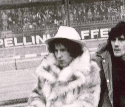 Il vero ribelle del calcio italiano: 40 sigarette, whisky, pistole. E il paragone con Best